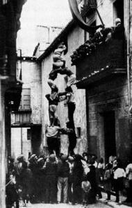 Valls_Colla_1922collavelladavantelcentrecarliperstjoanmoncasteller